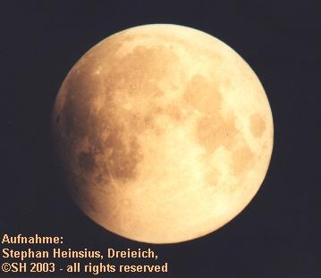 Mond kurz vor Eintritt in den Erdschatten
